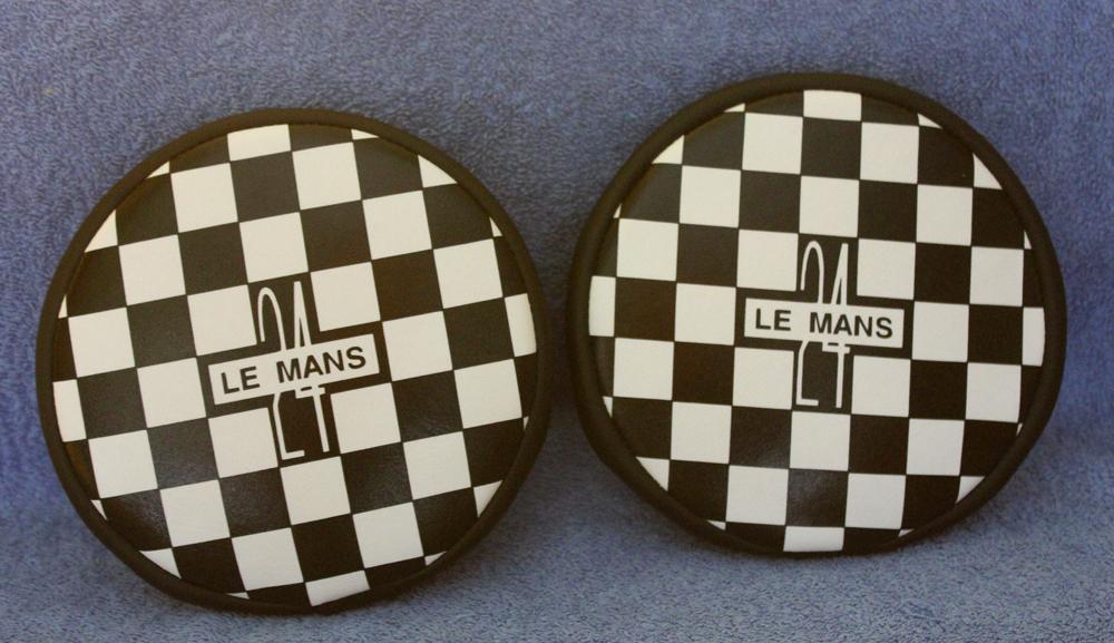 le-mans-24-black-white-chequered-pattern-spotlight-spot-lamp-fog-lamp-covers-retro-racer-uk-copy